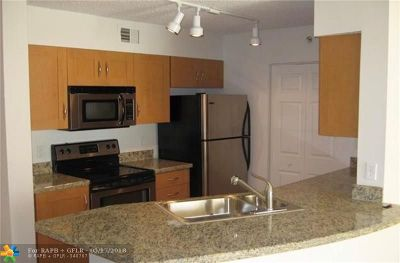 Boca Raton Condo/Townhouse For Sale: 3143 Clint Moore Rd #106