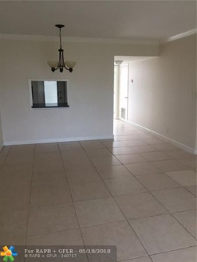 Deerfield Beach Condo/Townhouse For Sale: 899 SE 2 Avenue #201
