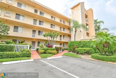 Delray Beach Condo/Townhouse For Sale: 6865 Huntington Ln #208