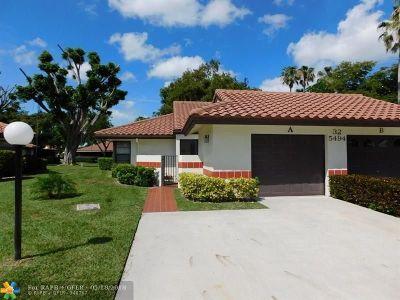 Boynton Beach Condo/Townhouse For Sale: 5494 Palm Springs Ln #A