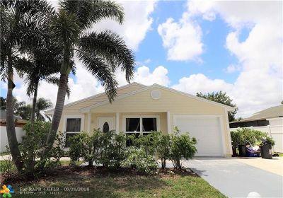 Boca Raton Single Family Home For Sale: 8340 Garden Gate Pl
