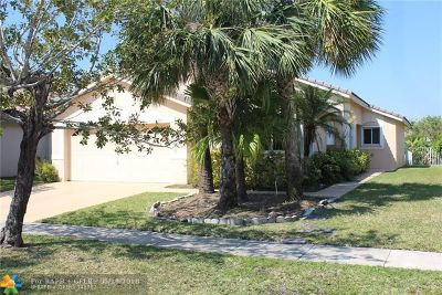 Pembroke Pines Single Family Home For Sale: 204 SW 180th Ave