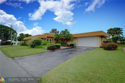 Tamarac Single Family Home For Sale: 5112 Banyan Ln