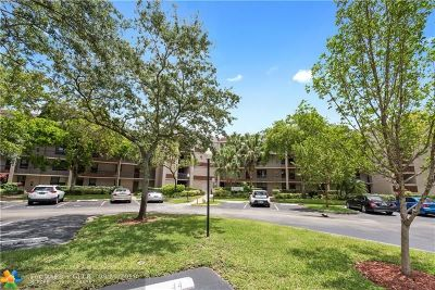 Plantation Condo/Townhouse For Sale: 100 NW 76th Ave #306-2