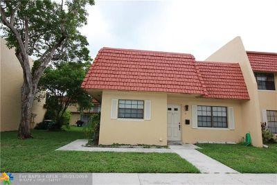 Tamarac FL Condo/Townhouse For Sale: $148,000