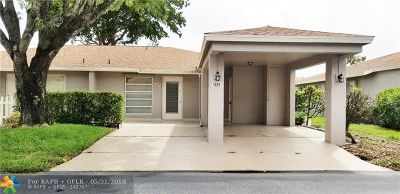 Delray Beach Condo/Townhouse For Sale: 6689 Moonlit Dr #B