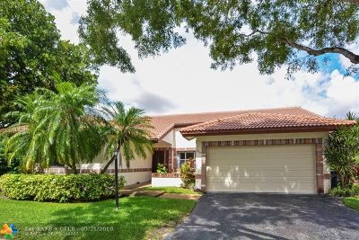Coral Springs Single Family Home For Sale: 11060 Cypress Run Cir