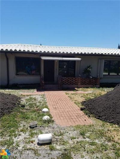Pompano Beach Multi Family Home For Sale: 800 SW 13th Ct