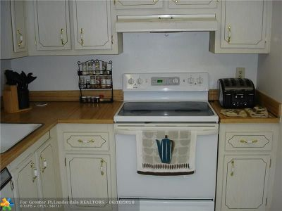 Margate Condo/Townhouse For Sale: 1550 NW 80th Ave #207