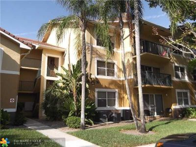 Coral Springs Condo/Townhouse For Sale: 8701 Wiles Rd #204