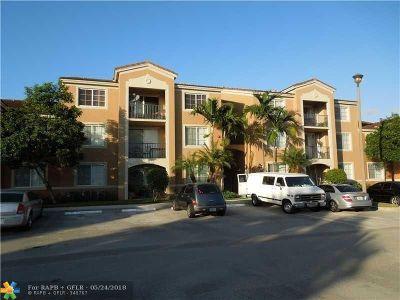 Tamarac Condo/Townhouse For Sale: 7940 N Nob Hill Rd #204