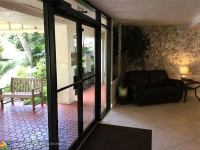Pompano Beach Condo/Townhouse For Sale: 3010 N Course Dr #812
