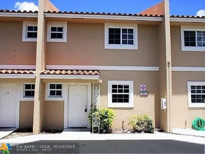 Coral Springs Condo/Townhouse For Sale: 7991 NW 35th Ct #2