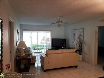 Deerfield Beach Condo/Townhouse For Sale: 959 SE 2nd Ave #158