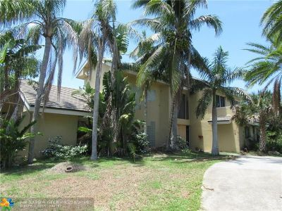 West Palm Beach Single Family Home For Sale: 999 Whippoorwill Ter