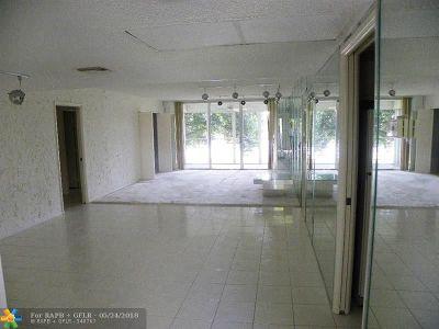 Pompano Beach Condo/Townhouse For Sale: 802 Cypress Blvd #202