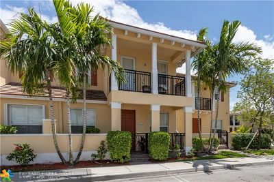 Coconut Creek Condo/Townhouse For Sale: 4812 Acadian Trl #4812