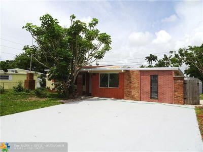 Pompano Beach Single Family Home For Sale: 2575 NE 13th Ter