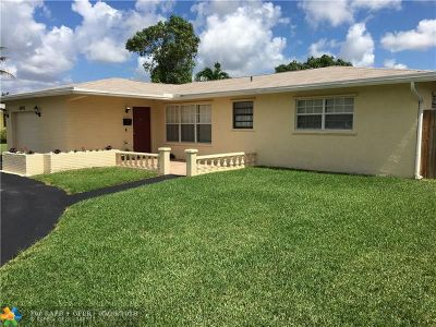 North Lauderdale Single Family Home For Sale: 6845 Broadmoor