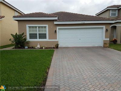 Coconut Creek Single Family Home For Sale: 7133 Crescent Creek Ln