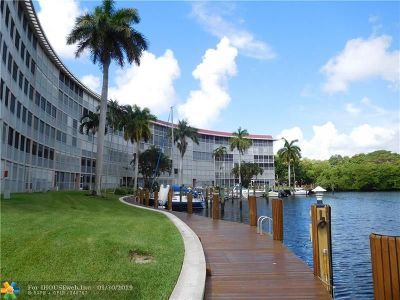 Deerfield Beach Condo/Townhouse For Sale: 1301 Hillsboro Blvd #406