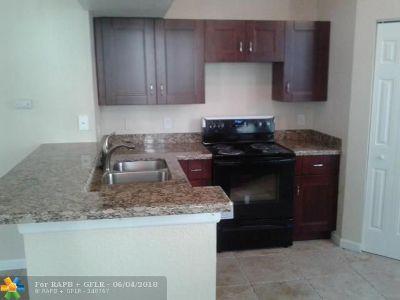 Boynton Beach Condo/Townhouse For Sale: 507 Belmont Pl #507