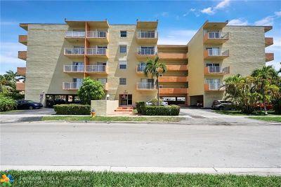 North Miami Beach Condo/Townhouse For Sale: 3545 NE 167th St #301