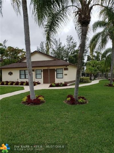 Boca Raton FL Condo/Townhouse For Sale: $449,000