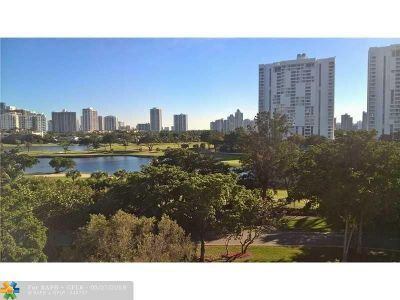 Aventura Condo/Townhouse For Sale: 3475 N Country Club Dr #703