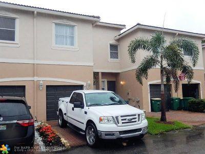 Broward County Condo/Townhouse For Sale: 8308 Lagos De Campo Blvd #8308