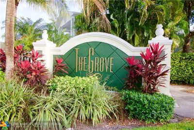 Wilton Manors Condo/Townhouse For Sale: 2660 NE 8th Ave #112