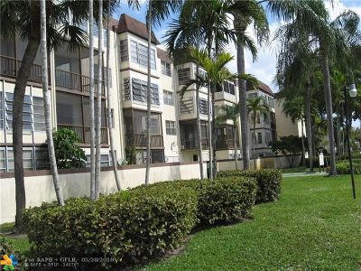 Plantation Condo/Townhouse For Sale: 7100 NW 17th St #205