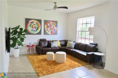 Pompano Beach Condo/Townhouse For Sale: 150 SW 7th Ct #150