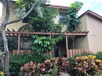 Plantation Condo/Townhouse For Sale: 7883 NW 11th Pl #7883
