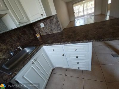 Coral Springs Condo/Townhouse For Sale: 8605 W Sample Rd #104