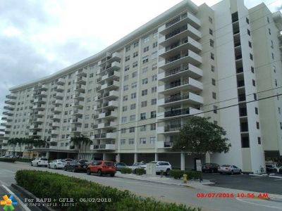 Hallandale Condo/Townhouse For Sale: 401 Golden Isles Dr #416