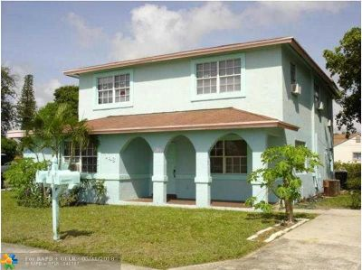 Delray Beach Multi Family Home For Sale: 146 SW 12th Av