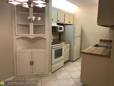 Jupiter Condo/Townhouse Backup Contract-Call LA: 6499 Chasewood Dr #D