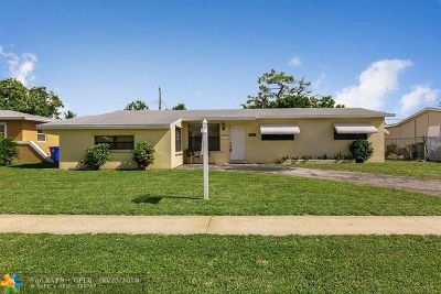 Pembroke Pines Single Family Home For Sale: 6881 SW 2nd St