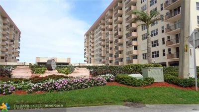Hillsboro Beach Condo/Townhouse For Sale: 1147 Hillsboro Mile #302