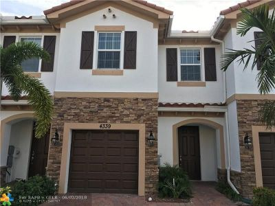 West Palm Beach Condo/Townhouse For Sale: 4339 Brewster Ln #4339