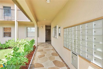 Pembroke Pines Condo/Townhouse For Sale: 1300 SW 124th Ter #103 P