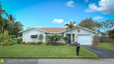 Tamarac Single Family Home For Sale: 9302 NW 66th Ct
