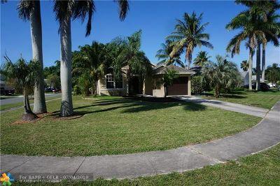 Boynton Beach Single Family Home For Sale: 56 Misty Meadow Dr