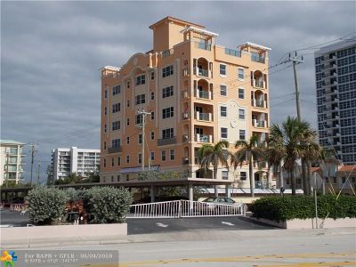 Pompano Beach Condo/Townhouse For Sale: 3236 NE 5th St #702