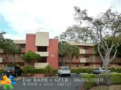 Deerfield Beach Condo/Townhouse For Sale: 2420 Deer Creek Country Club Blvd #205D