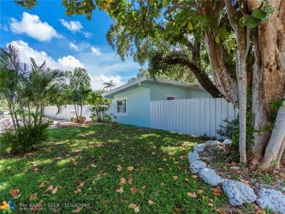 Broward County Single Family Home For Sale: 1617 SW 30th Ter
