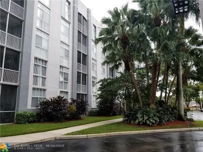 Doral Condo/Townhouse For Sale: 9725 NW 52nd St #315