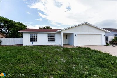 Deerfield Beach Single Family Home For Sale: 2618 SW 14th Dr