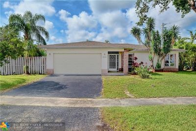 Tamarac Single Family Home For Sale: 6930 NW 81st Pl